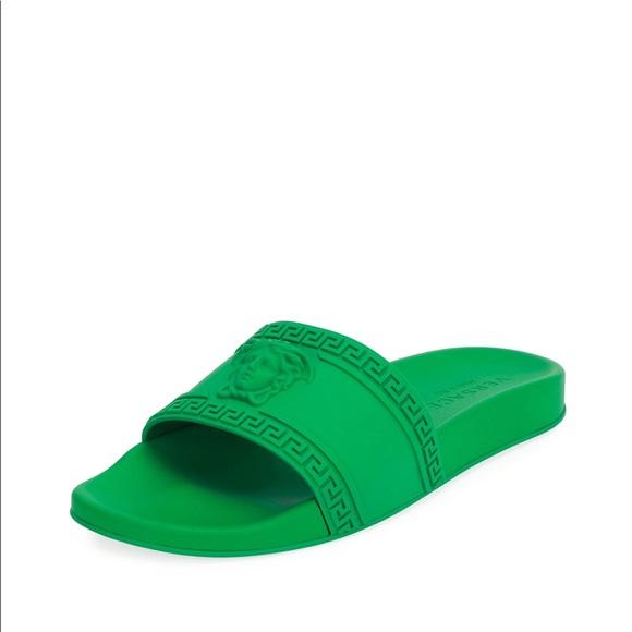 Versace Shoes   Nib Green Versace